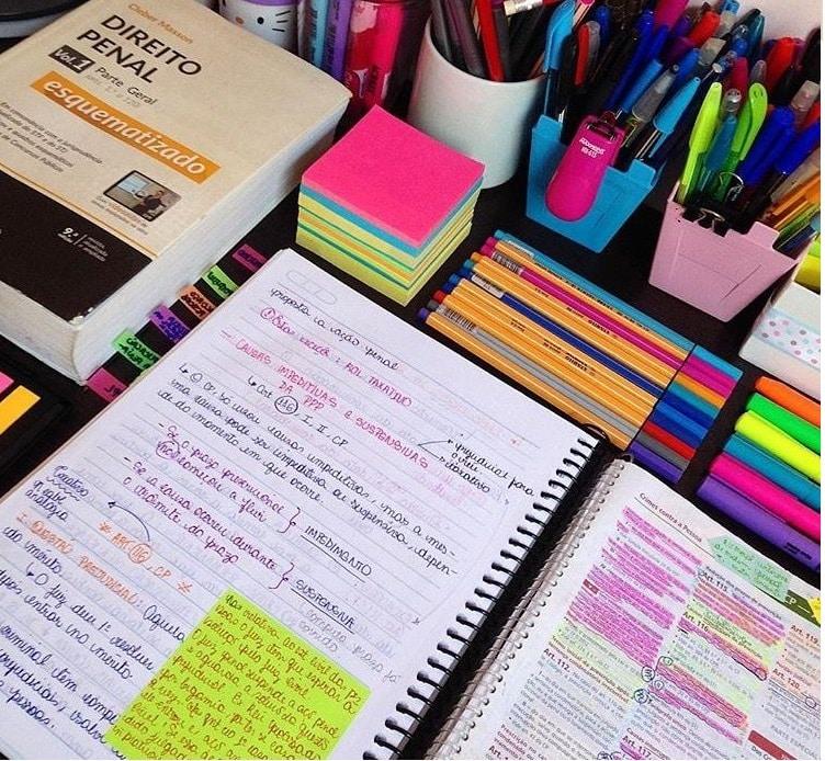 bolígrafo de colores